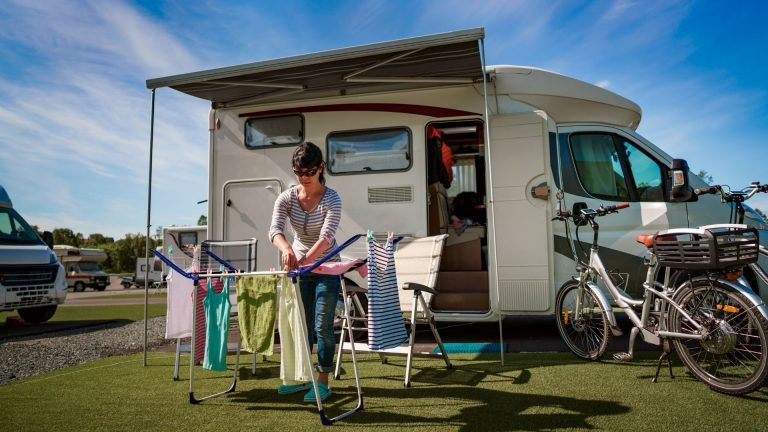How to select a portable washing machine for camping