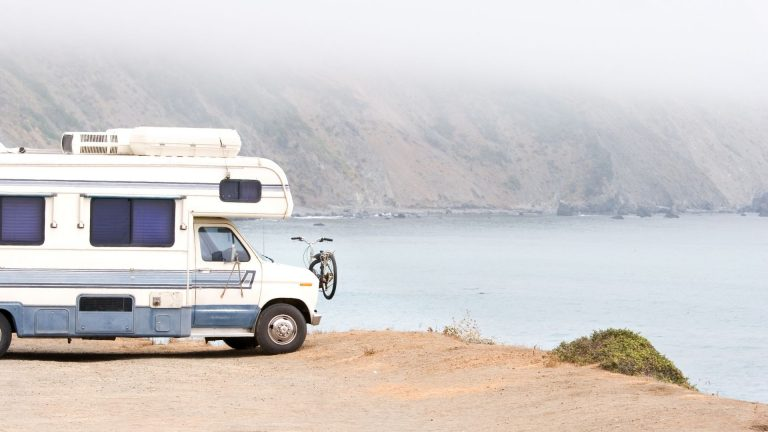 How to use an RV water pump during traveling